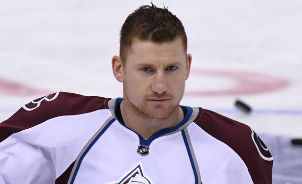 Cody McLeod kohtasi viime yönä vanhan joukkueensa.
