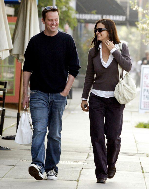 Matthew Perry ja Courteney Cox ovat olleet ystäviä läpi vuosien.