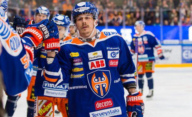 Tappara tuulettaa Kristian Kuuselan johdolla. Ensi viikolla on vuorossa kultajuhlat toisen perättäisen Suomen mestaruuden kunniaksi, väittää Santtu Silvennoinen.