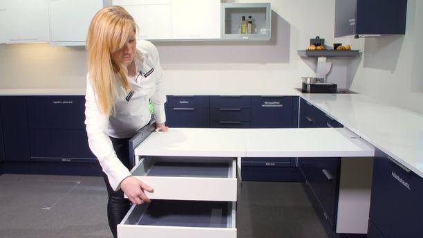 Plussa-kaappi antaa hetkessä lisää pöytä- ja säilytystilaa.