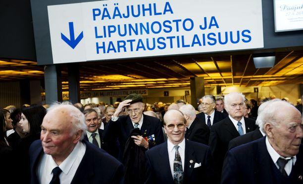 Kansallisen veteraanipäivän pääjuhla vuonna 2010 Tampereella. Tilaisuuteen osallistui peräti 3 000 veteraania.