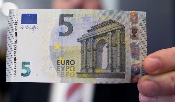 Tältä näyttää uusi viiden euron seteli.