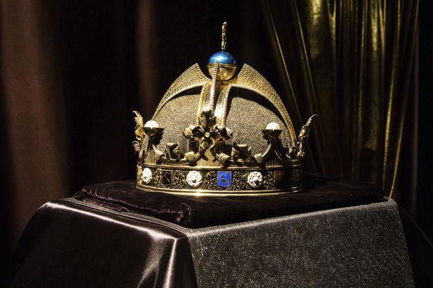 Tältä näyttää piirustusten perusteella kultaseppämestari Teuvo Ypyän tekemä jäljennös Suomen kuninkaan suunnitellusta kruunusta.