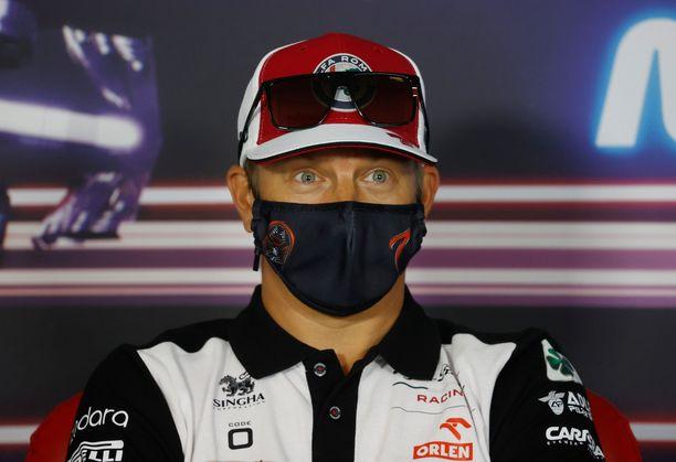 Kimi Räikkönen ei Alfa Romeolla ole mukana taistelemassa MM-tittelistä, mutta yhden komean kuskipalkinnon hän voi silti voittaa.