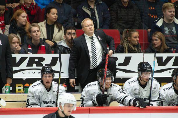 Päävalmentaja Kalle Kaskisen kahdella aiemmalla kaudella TPS:n loppusijoitukset olivat neljäs ja kuudes. Nyt joukkue on viimeisenä eli sijalla 15.