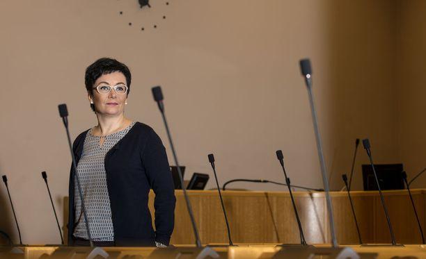 Riikka Moilanen herätti pahennusta Oulun kaupunginvaltuuston kokouksessa maanantaina nimittämällä syrjäytyneitä ihmisroskaksi.