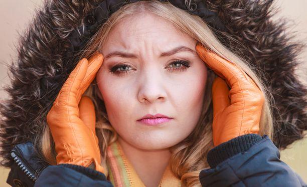 Vuodenaikojen vaihtelu vaikuttaa joidenkin migreenipotilaiden oireisiin.