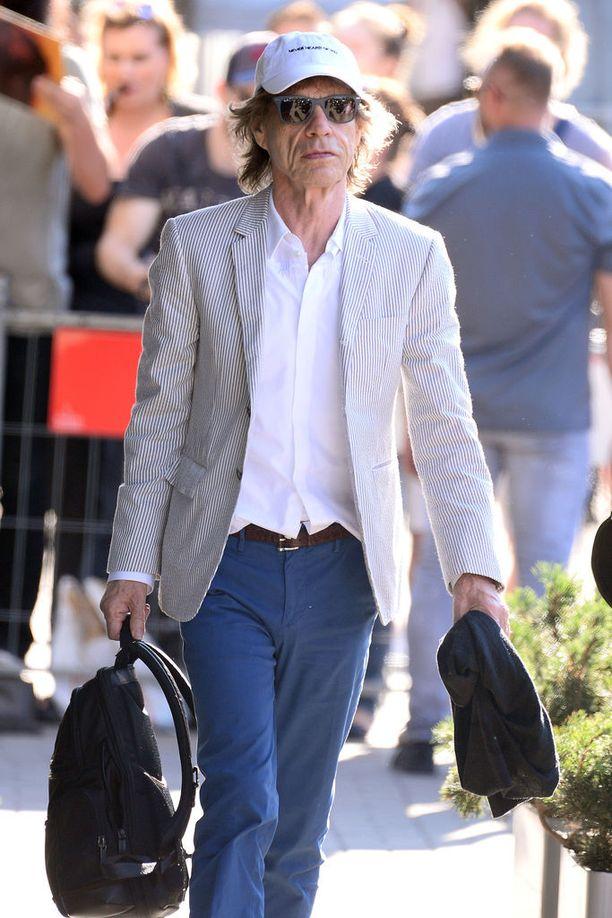 Mick Jagger, 74, keikkailee edelleen Rolling Stones -yhtyeen kanssa tiiviisti.