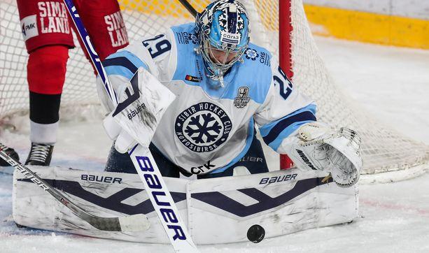 Sibir Novosibirskin maalivahti Harri Säteri on ollut kevään pudotuspeleissä kuin muuri.