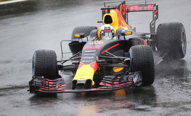 Daniel Ricciardo ajoi Monzassa 4:nneksi.