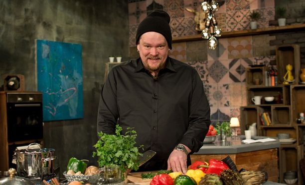 Ville Haapasalon keittiössä höpötellään mukavia, mutta nautitaan myös ruuasta.