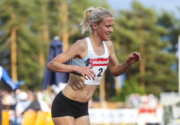 Camilla Richardsson palasi keskiviikkona esteiden pariin Jyväskylässä. Hän loukkaantui samassa paikassa vuosi sitten.