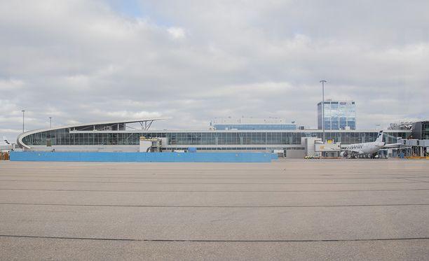 Helsinki-Vantaan lentokenttä. Kuvituskuva.