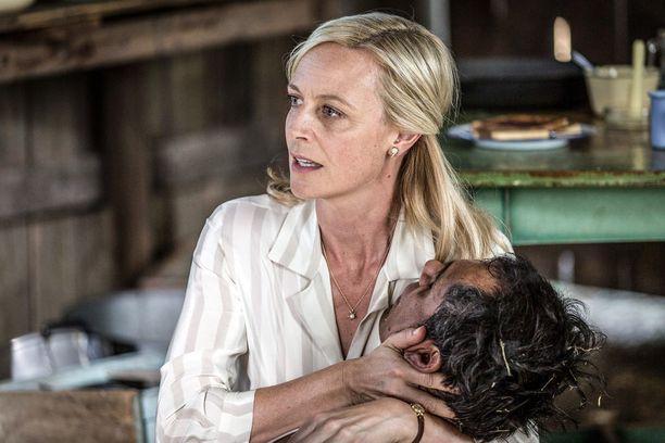 Avausjaksossa Sarah (Marta Dusseldorp) asuu eri osoitteissa David-poikansa isän Georgen kanssa. Muuttuuko tilanne kauden aikana?