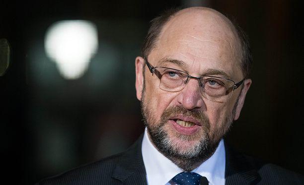 Demareiden johtaja Martin Schulz erosi puolueen johdosta tiistaina. Puolue on lievästi sanottuna kaaoksessa.