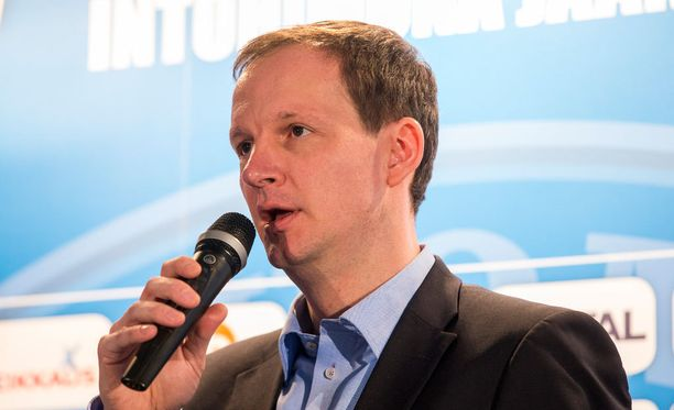 Matti Nurminen kommentoi antidopingtyötä Jääkiekkoliiton puolesta.