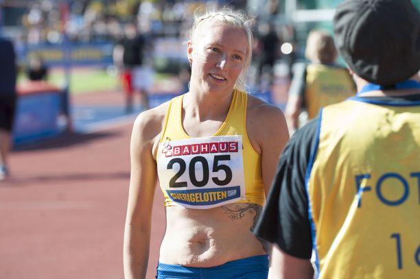 Moa Hjelmer kilpaili viikonloppuna Tukholmassa yleisurheilumaaottelussa.
