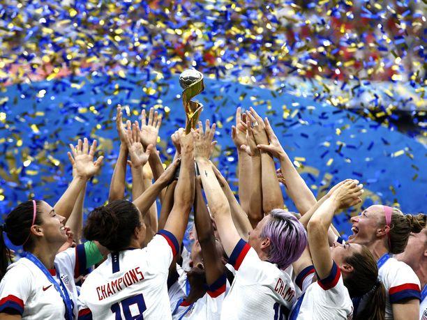 Yhdysvallat juhli naisten MM-kultaa viime kesänä.