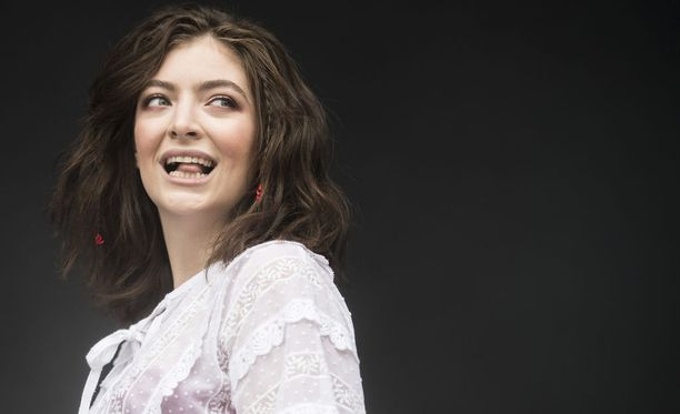 Perfect places -laulaja Lorde perui Tel Avivin keikkansa.