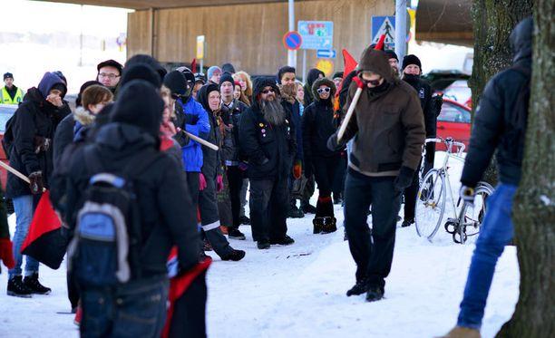 Mielenosoituksella vastustettiin rasismia ja Suomen Sisua.