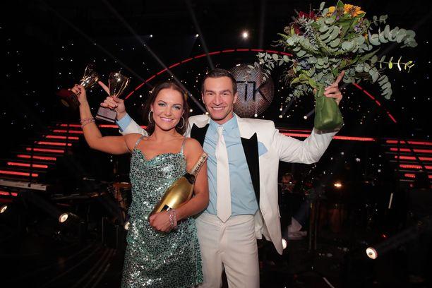 Edis Tatli ja Katri Mäkinen varmistivat voittonsa räjähtävällä freestyle-vedolla Michael Jacksonin Smooth Criminal -kappaleesta.