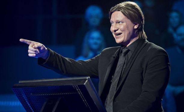 haluatko miljonääriksi -ohjelmaa juontava Jaajo Linnonmaa kertoi onnekkuudestaan Heikki Paasonen Show'ssa.