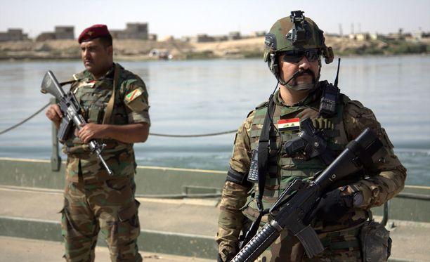 Irakilaissotilaat valmistautuvat valtaamaan maan toiseksi suurimman kaupungin takaisin.