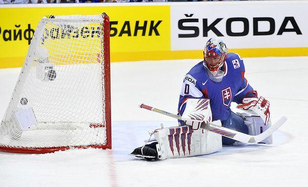 Tuomo Ruutu ratkaisi voiton Suomelle ohi Jaroslav Halakin.