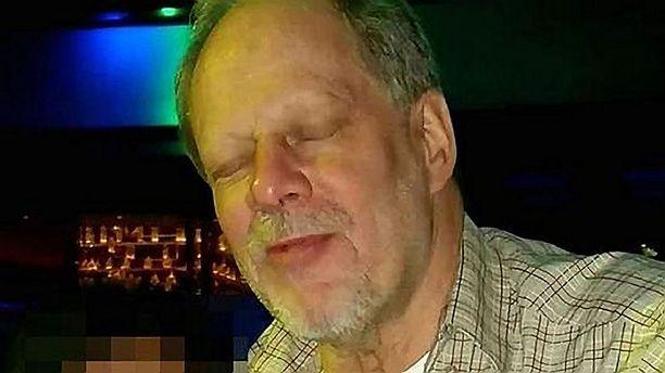 Stephen Paddock murhasi 58 ihmistä Las Vegasissa ampumalla heitä silmittömästi automaattisilla tai puoliautomaattisilla aseilla.