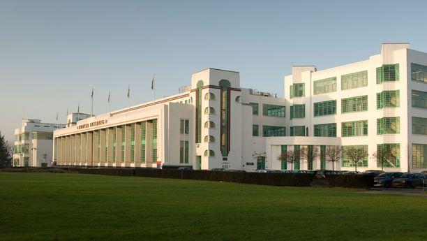Hoover Building on kelvannut kuvauspaikaksi kahteenkin Poirot-jaksoon.