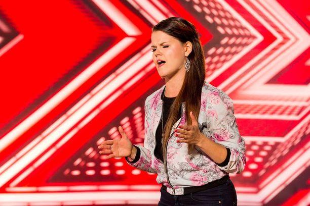 Saara Aalto pääsee esiintymään Lontoon Wembley Arenalle X Factor -laulukilpailun myötä.