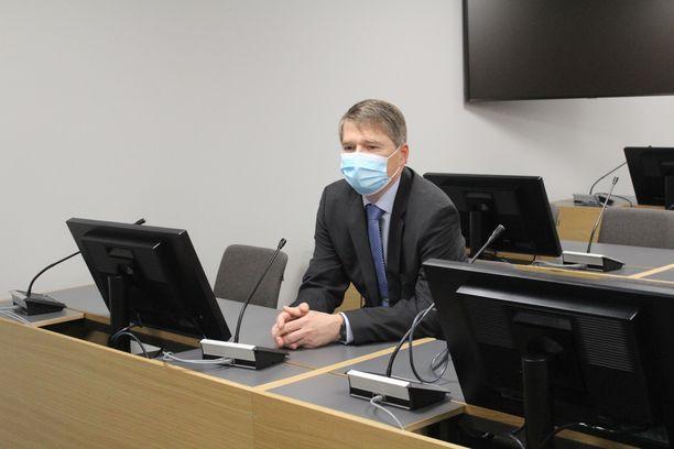 Oikeuden mielestä on ilmeistä, että ilmasotakoulun silloisen johtajan Mikko Punnalan tarkoituksena oli hankkia läheiselleen hyötyä.