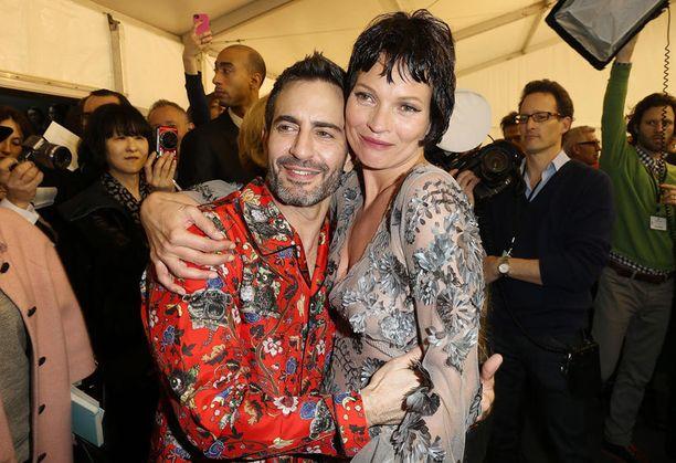 Kate ja Louis Vuittonin taiteellinen johtaja Marc Jacobs.