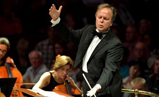 Sakari Oramo ottaa tänäänkin legendaarisen Royal Albert Hallin haltuunsa.