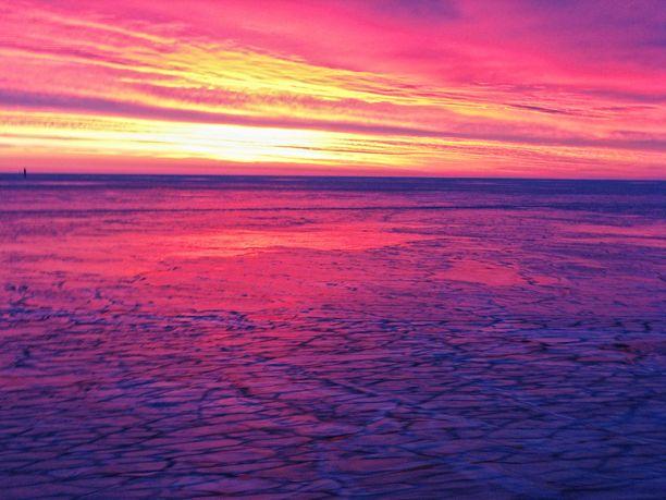Tämä auringonlasku on ikuistettu Ruotsin-laivalla vuonna 2011.