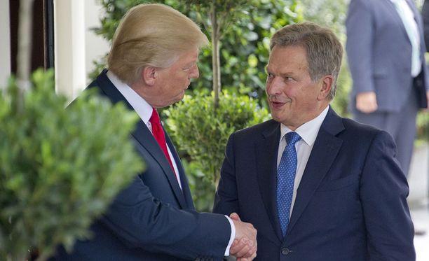 Tasavallan presidentti Sauli Niinistö on keskustellut ensi viikon Helsingin-kokouksesta Donald Trumpin kanssa Brysselissä. Kuva viime vuodelta, jollloin Niinistö tapasi Trumpin Washingtonissa.