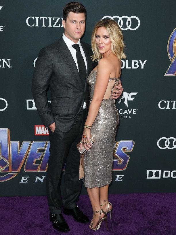 Scarlett Johansson rakkaansa Colin Jostin kanssa.