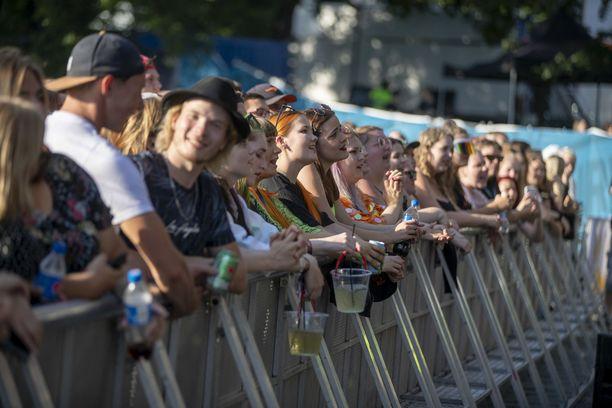 Nuori yleisö nautti festivaalitunnelmasta.