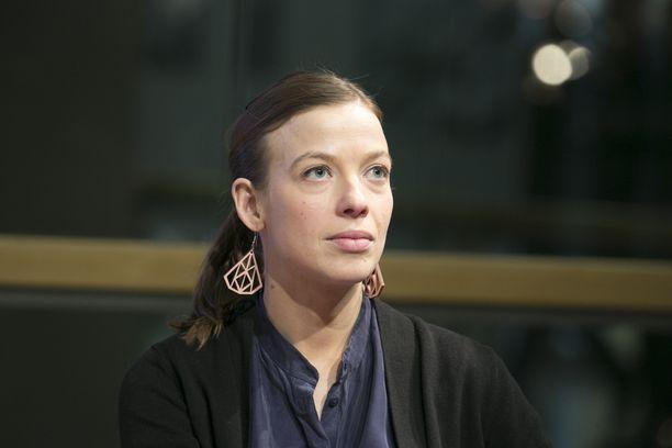 Opetusministeri Li Andersson korostaa kriisituen saatavuutta Kuopion kouluiskun jälkimainingeissa.