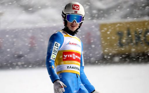 Norjalaishyppääjä leiskautti hurjan hypyn Zakopanessa – Halvor Granerud nappasi silti voiton