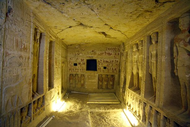 Viidestä kammiosta neljä on vielä tutkimatta. Arkeologit uskovat, että niistä löytyy runsaasti myös esineitä, mukaan lukien omistajan sarkofagi.