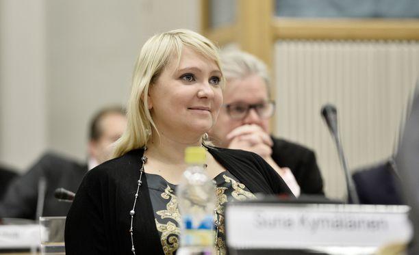 SDP:n Suna Kymäläinen on välikysymyksen ensimmäinen allekirjoittaja.
