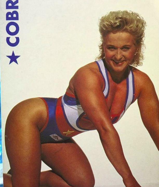 Cobra eli Agnes Honkala trikoissaan 1990-luvun alussa.