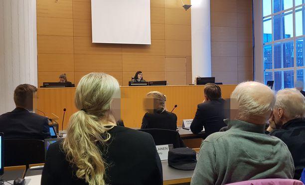 Helsingin Herttoniemen mäkihyppyturman käsittely alkoi tänään perjantaina käräjäoikeudessa.