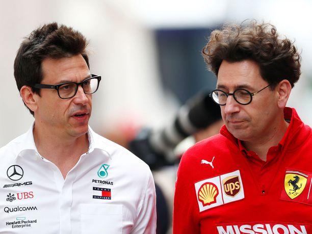 Toto Wolffin johtama Mercedes on selvittänyt Pirellin renkaiden metkut paremmin kuin Mattia Binotton johtama Ferrari.