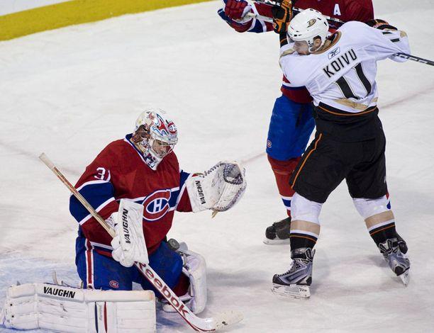 Montrealin maalivahti Carey price torjui Koivun maaliyrituksen toisella erällä.