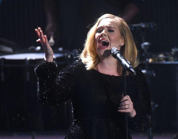 Adele on pitänyt konsertoinnista taukoa eikä ole tiedossa koska hän palaa.