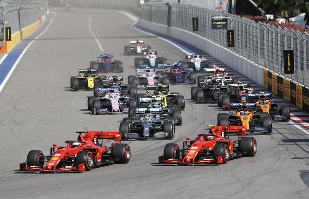 Ferrarit ja Mersut starttaisivat viimeisistä ruuduista Liberty Median ideoimassa sprinttikisassa.