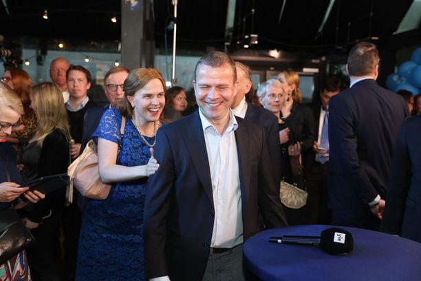 Kokoomuksen puheenjohtaja Petteri Orpo oli helpottunut, puolue säilyi EU-vaaleissa suurimpana.