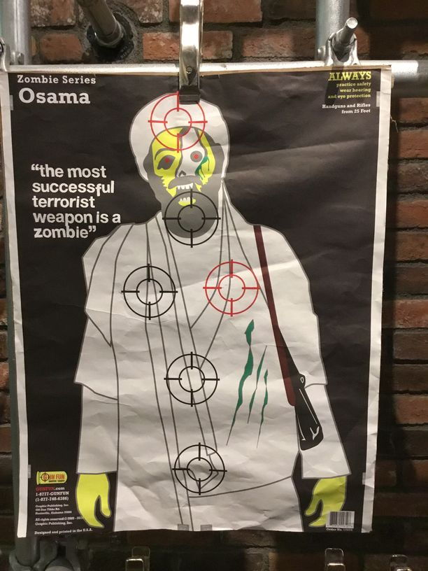 Zombie-Osama on yksi tarjolla olevista maalitauluista.